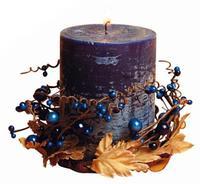 Sviečka darčeková s dekoráciou a vôňou čučoriedky, 6,9 x 9 cm
