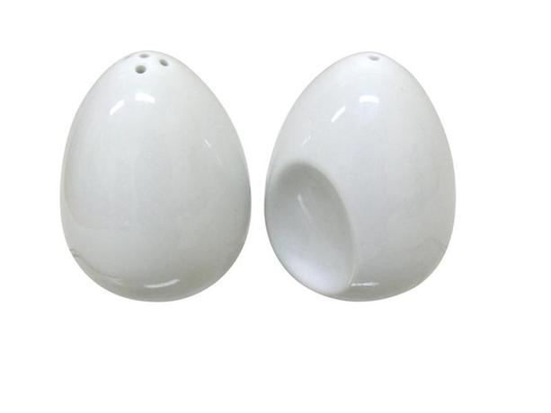 Soľnička a korenička, keramika, biela